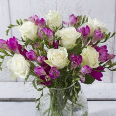 Hampers and Gifts to the UK - Send the Exquisite Roses and Freesias
