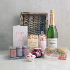 Hampers and Gifts to the UK - Send the Mother's Day Strawberries and Cream Gift Basket