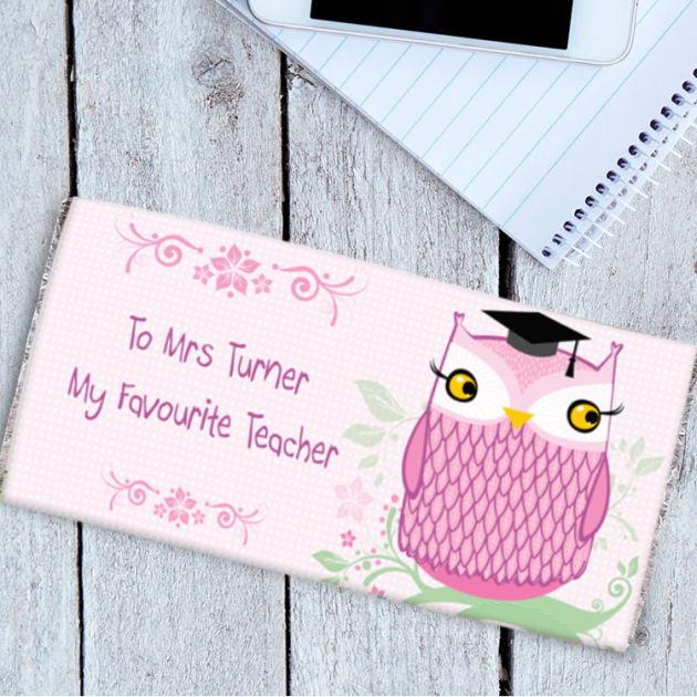Hampers and Gifts to the UK - Send the Personalised Chocolate Bar Miss Owl