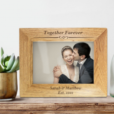 Hampers and Gifts to the UK - Send the Personalised Traditional Wooden Frame