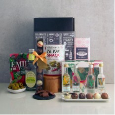 Hampers and Gifts to the UK - Send the Vodka Infusions Gift Hamper