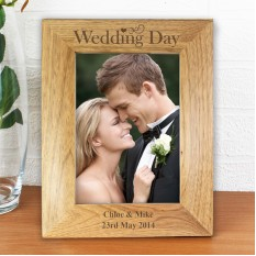Hampers and Gifts to the UK - Send the Personalised Wedding Day Wooden Frame