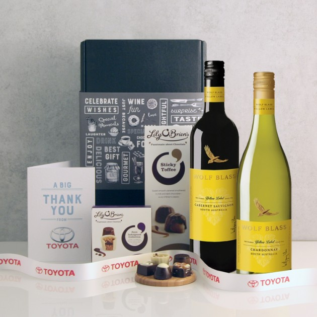 Hampers and Gifts to the UK - Send the Corporate Wine Gift With Chocolates