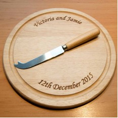 Hampers and Gifts to the UK - Send the Round Chopping Board Personalised