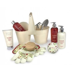 Hampers and Gifts to the UK - Send the Ladies Luxury Woodlands Pamper Pail