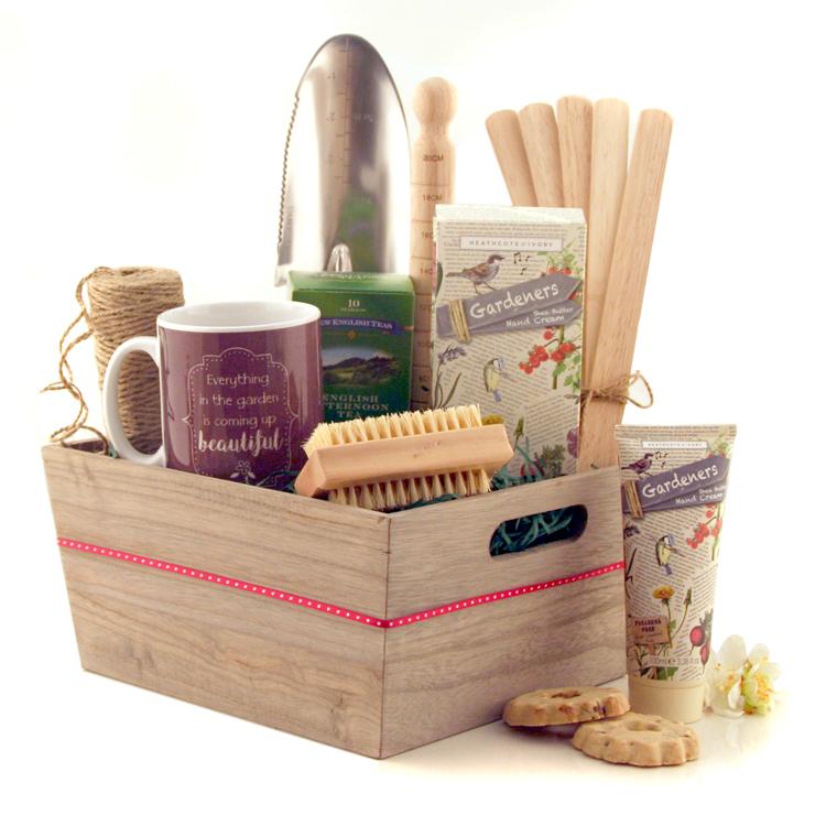 Top Gifts for Nan -  Gardener's Luxury Gift Hamper